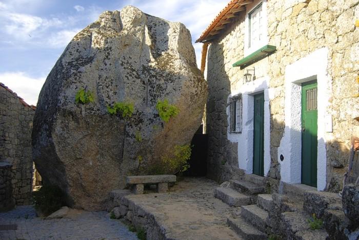 Монсанто - каменная деревня в Португалии (24)