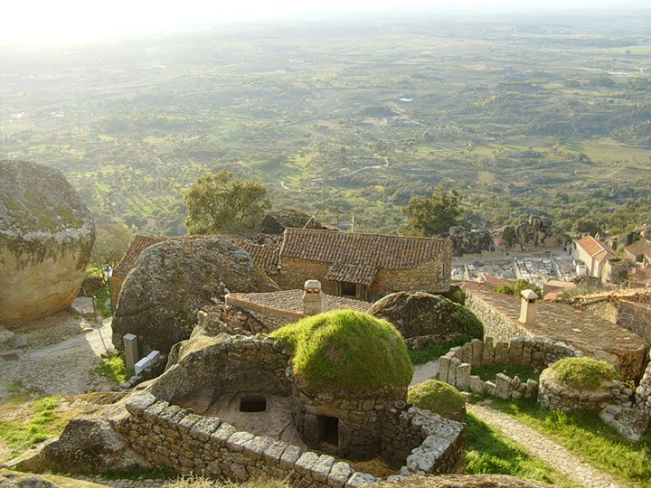 Монсанто - каменная деревня в Португалии (19)