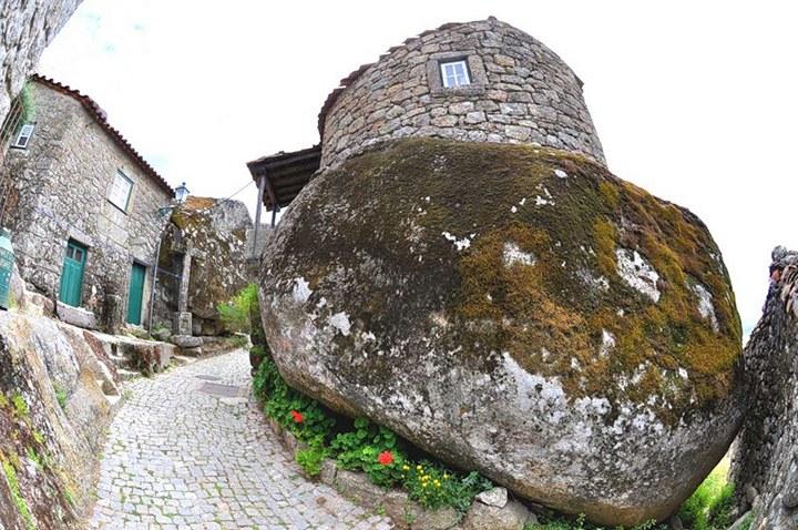 Монсанто - каменная деревня в Португалии (23)