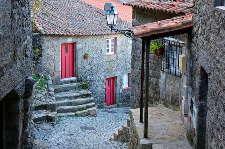Монсанто - каменная деревня в Португалии (5)