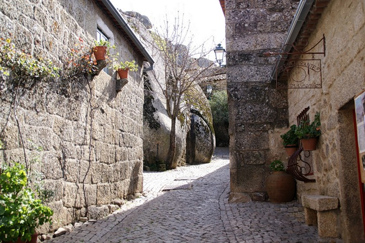 Монсанто - каменная деревня в Португалии (1)