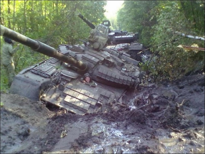 Как застревают танки. Застрявшие танки, фото и видео (7)