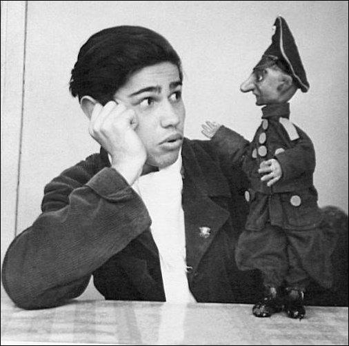 Евгений Ваганович Петросян в начале карьеры. 1958 год. (1)