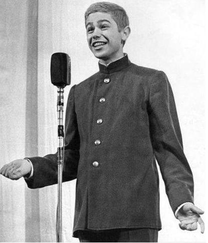 Евгений Ваганович Петросян в начале карьеры. 1958 год. (2)