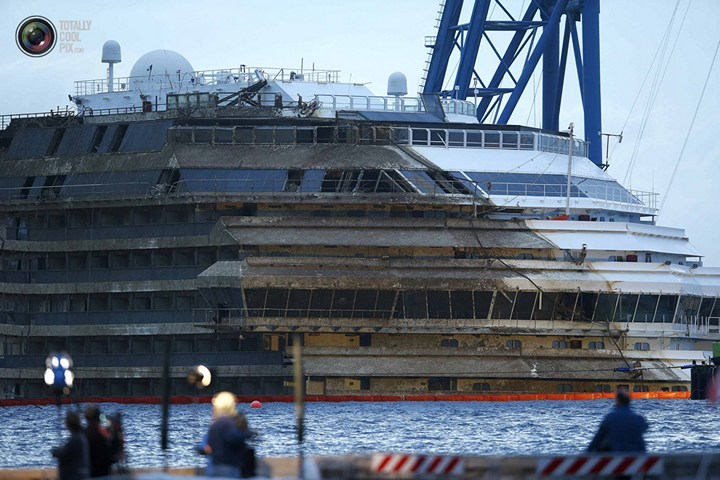 Операция по подъему лайнера Costa Concordia (52)