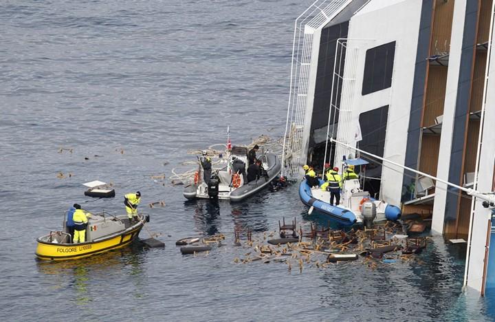 Операция по подъему лайнера Costa Concordia (8)