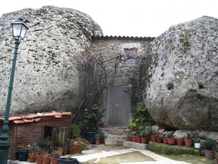 Монсанто - каменная деревня в Португалии (6)