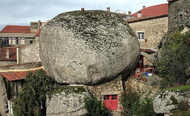 Монсанто - каменная деревня в Португалии (14)
