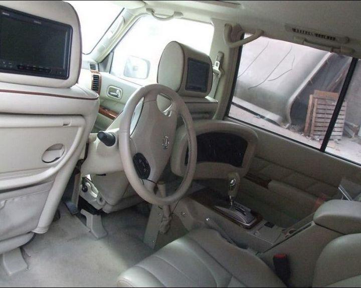 Машина с рулем на заднем сиденье (3)
