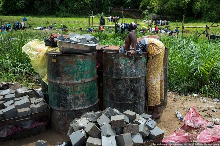 Как стирают в Кот-д'Ивуаре (4)