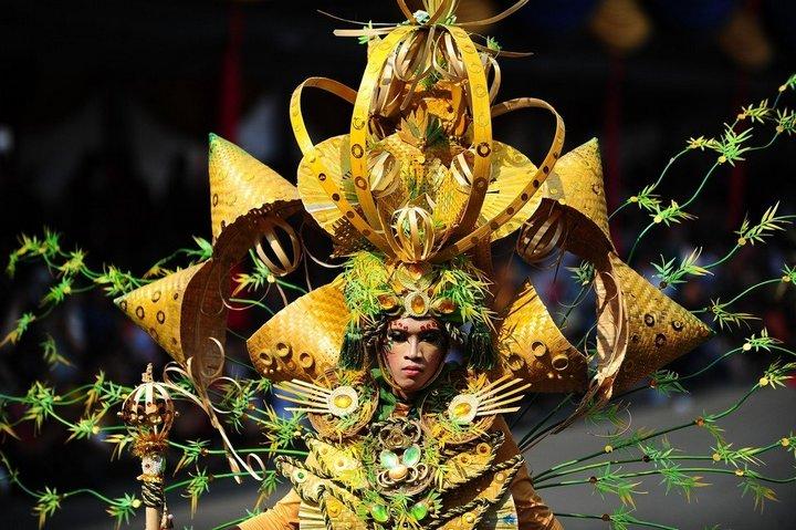 Необычный карнавал в индонезийском Джембере (5)