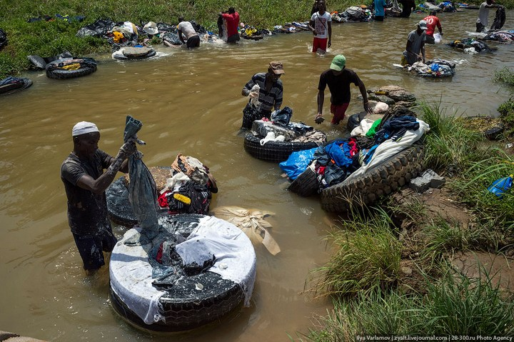 Как стирают в Кот-д'Ивуаре (8)