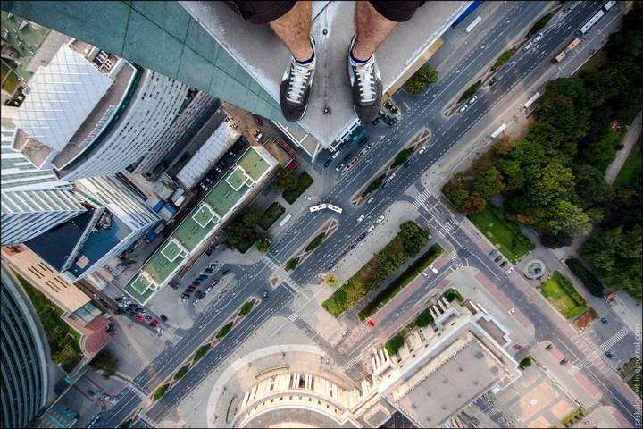 Руферы, как залезть на высокое здание в Европе (9)