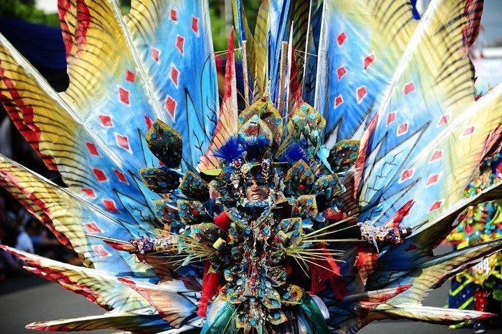 Необычный карнавал в индонезийском Джембере (13)
