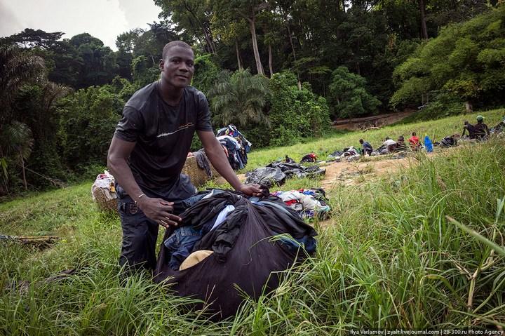 Как стирают в Кот-д'Ивуаре (14)