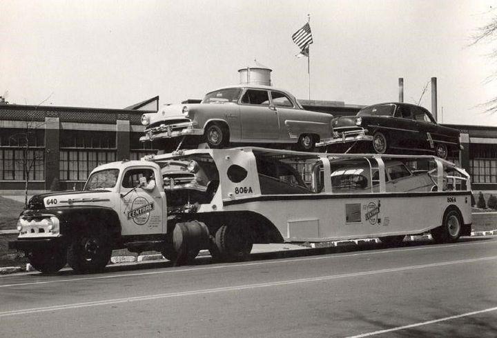 Фото старых американских грузовиков (3)