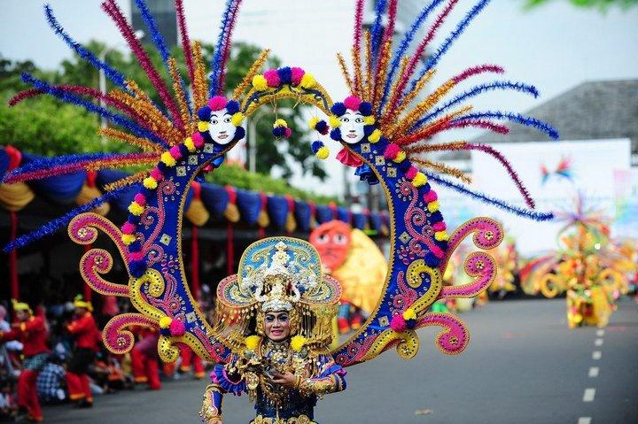 Необычный карнавал в индонезийском Джембере (17)