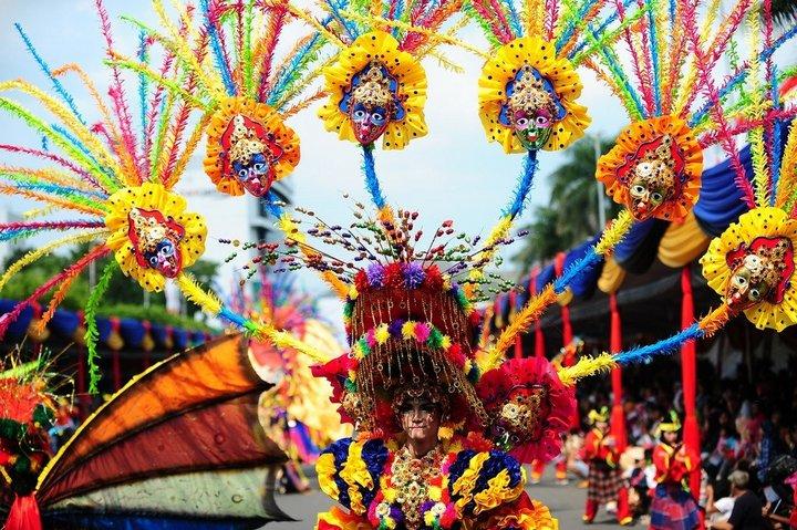 Необычный карнавал в индонезийском Джембере (20)