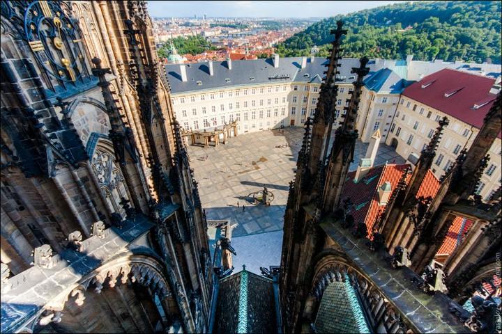 Руферы, как залезть на высокое здание в Европе (19)
