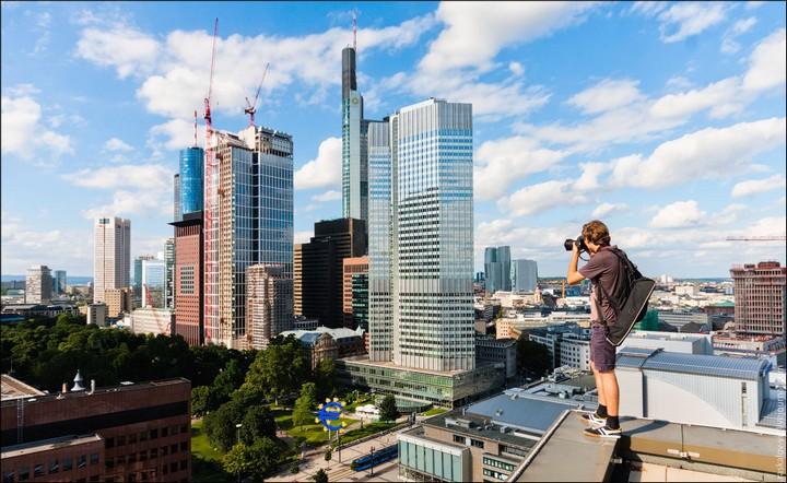 Руферы, как залезть на высокое здание в Европе (23)
