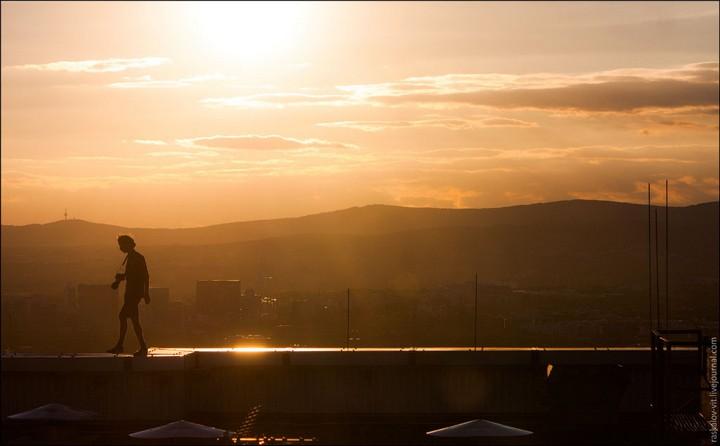 Руферы, как залезть на высокое здание в Европе (25)
