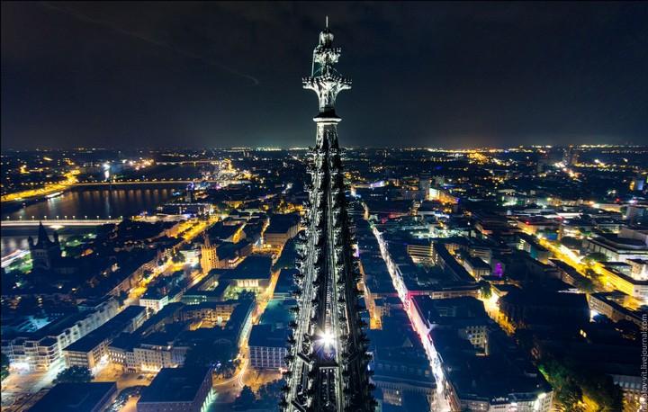 Руферы, как залезть на высокое здание в Европе (38)