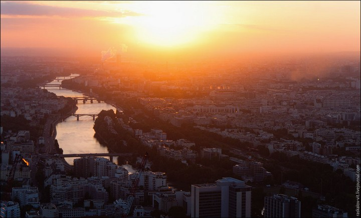 Руферы, как залезть на высокое здание в Европе (53)
