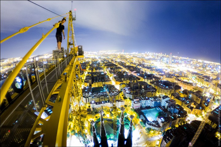 Руферы, как залезть на высокое здание в Европе (73)