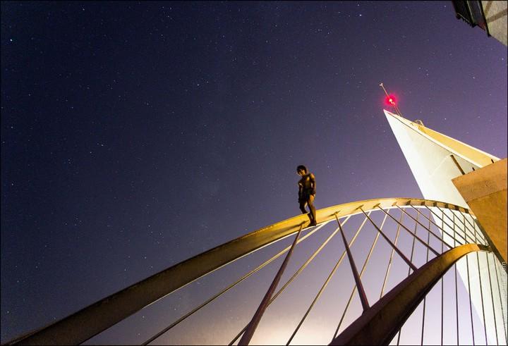 Руферы, как залезть на высокое здание в Европе (74)
