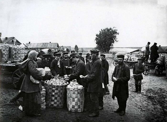 Чем занимались крестьяне начала прошлого столетия, какую работу они выполняли (13)