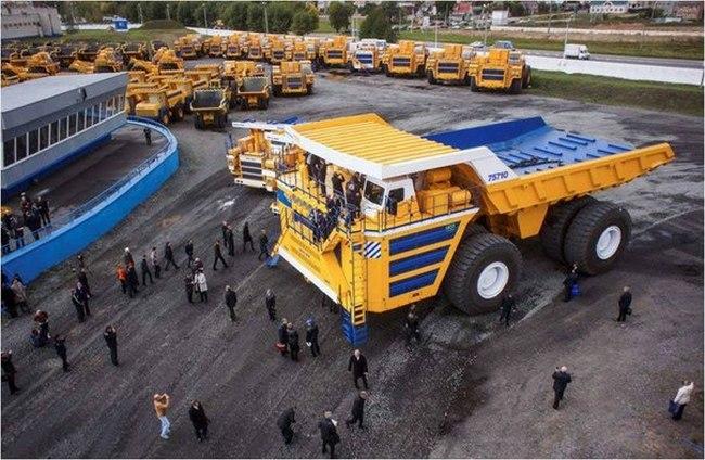 БелАЗ–75710 — самый большой грузовик в мире (5)