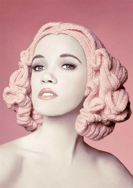Женские вязаные шапочки парики. Вязаная шапка в виде парика (2)