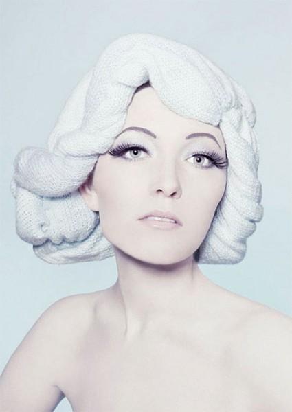 Женские вязаные шапочки парики. Вязаная шапка в виде парика (1)