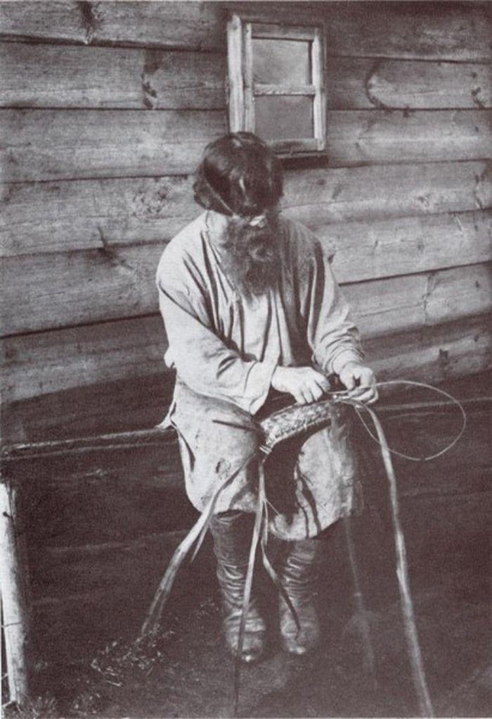 Чем занимались крестьяне начала прошлого столетия, какую работу они выполняли (4)