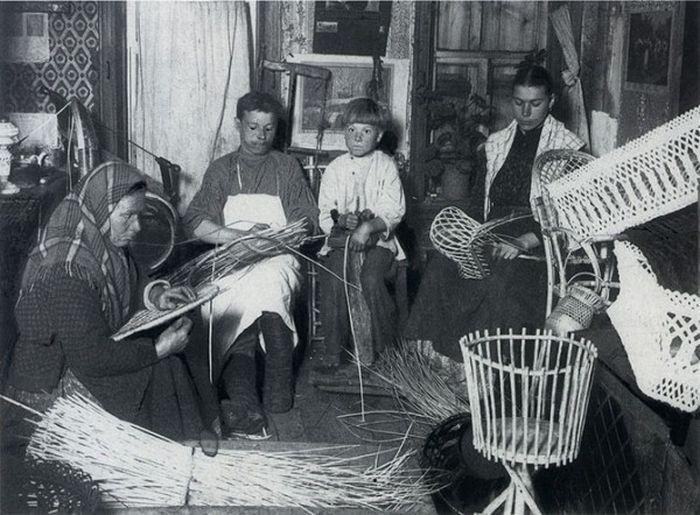 Чем занимались крестьяне начала прошлого столетия, какую работу они выполняли (5)