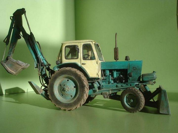 Реалистичная модель трактора из бумаги (1)