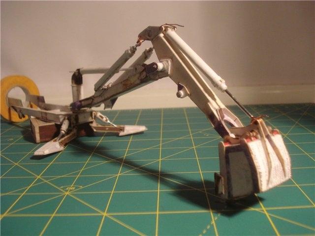 Реалистичная модель трактора из бумаги (17)