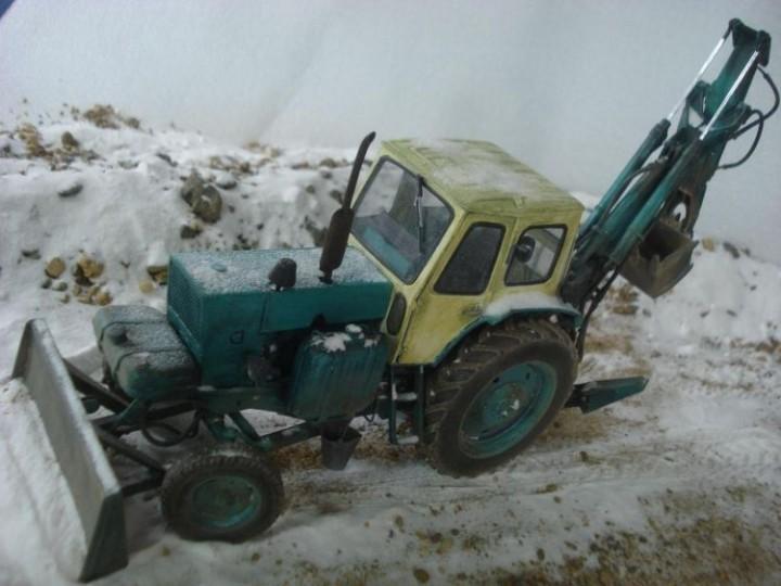 Реалистичная модель трактора из бумаги (24)
