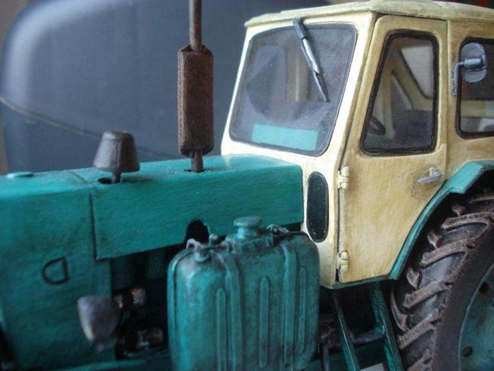 Реалистичная модель трактора из бумаги (4)
