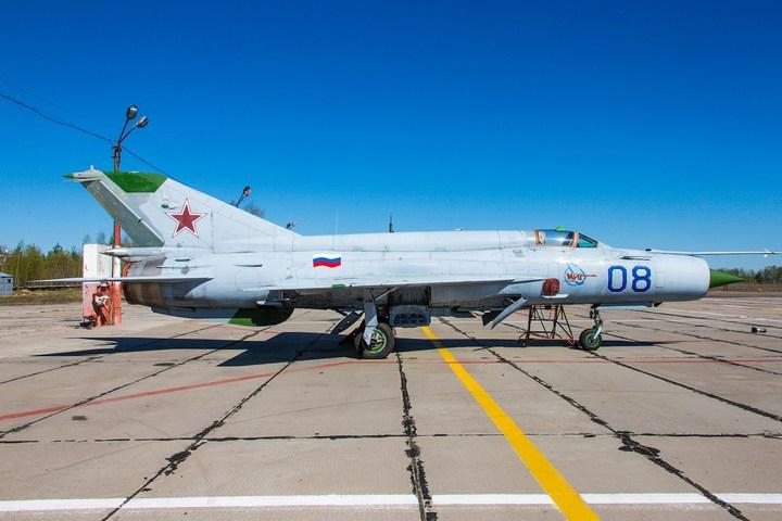 МиГ-21 в фотографиях, изнутри и снаружи (7)