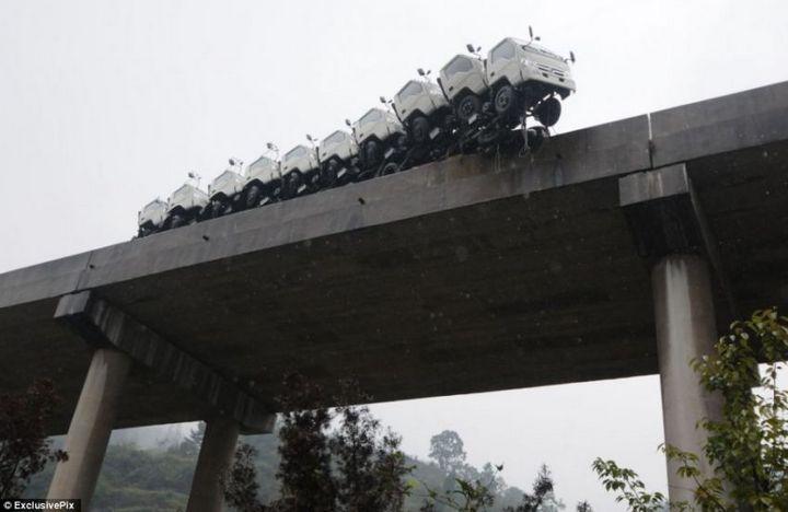 Необычная авария в Китае (1)