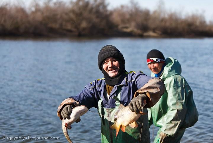 Как ловят рыбу в Астрахани (14)