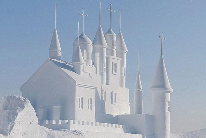 Удивительные снежные скульптуры (1)