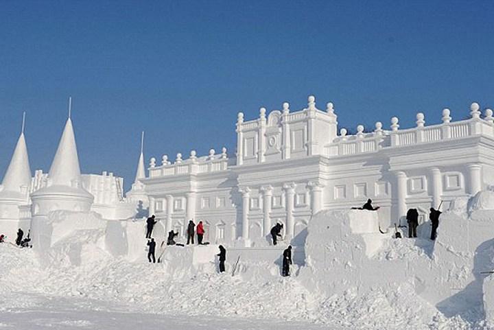Удивительные снежные скульптуры (3)