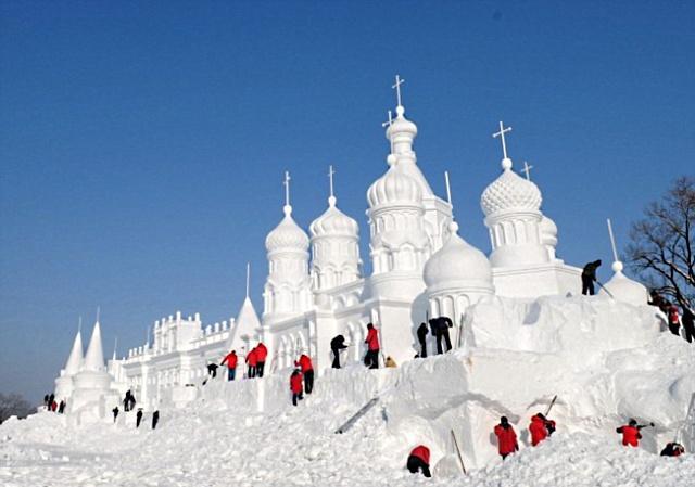 Удивительные снежные скульптуры (7)