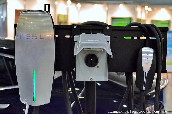 Как устроен электромобиль Tesla Model S (18)