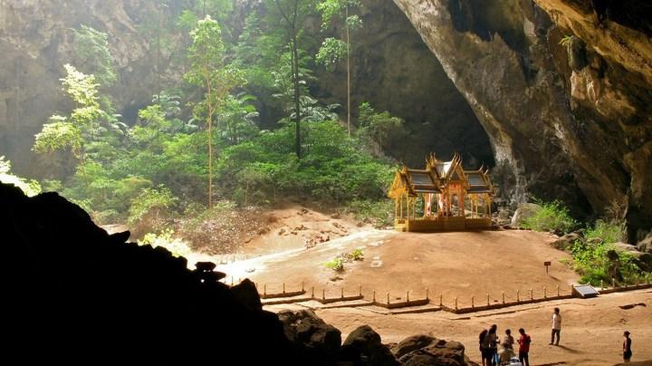 Необычная пещера Пхрая Након в Таиланде (2)