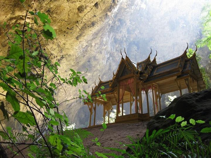 Необычная пещера Пхрая Након в Таиланде (4)