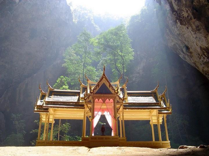 Необычная пещера Пхрая Након в Таиланде (3)