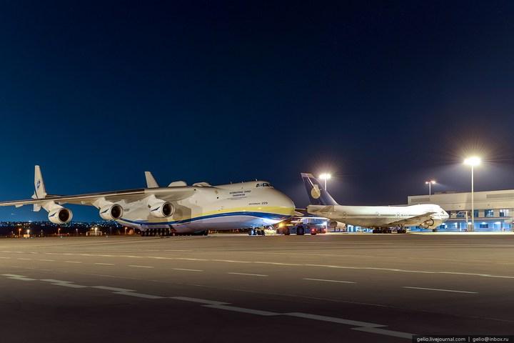 Ан-225 «Мрия» - самый большой самолет в мире (5)